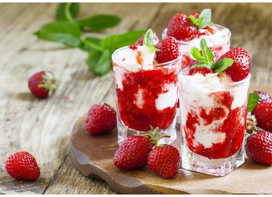 Smiths Food and Beverage Frozen Strawberry Angel Food Delight Hero 01